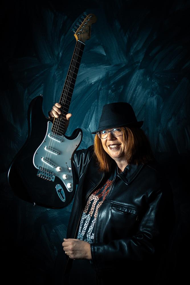 Julie Daems in Rock Fossils tenue